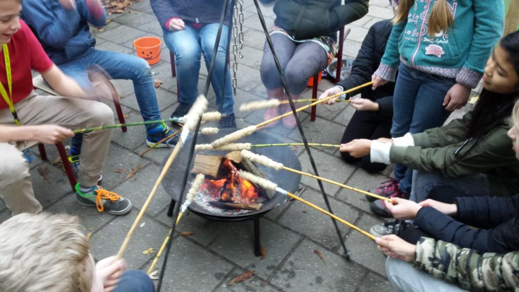 veilig vuur leren maken kan ook hier